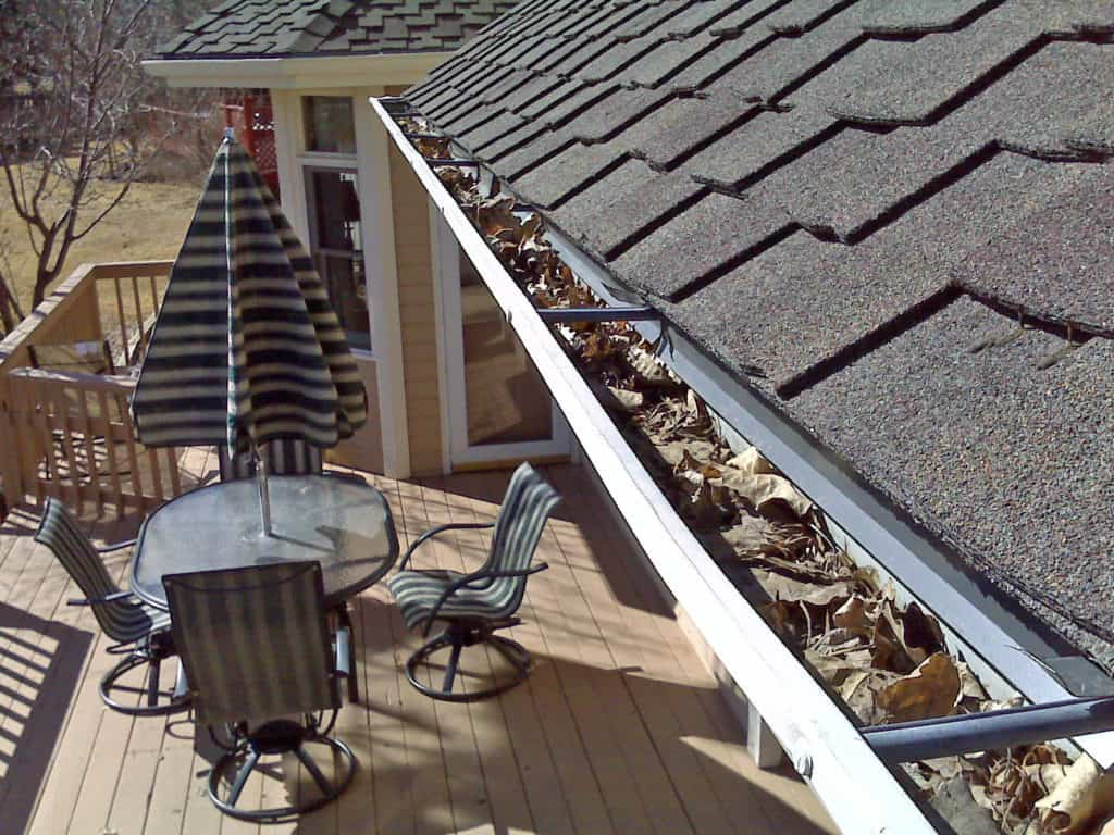 these gutters are not clean and it is important to be clean